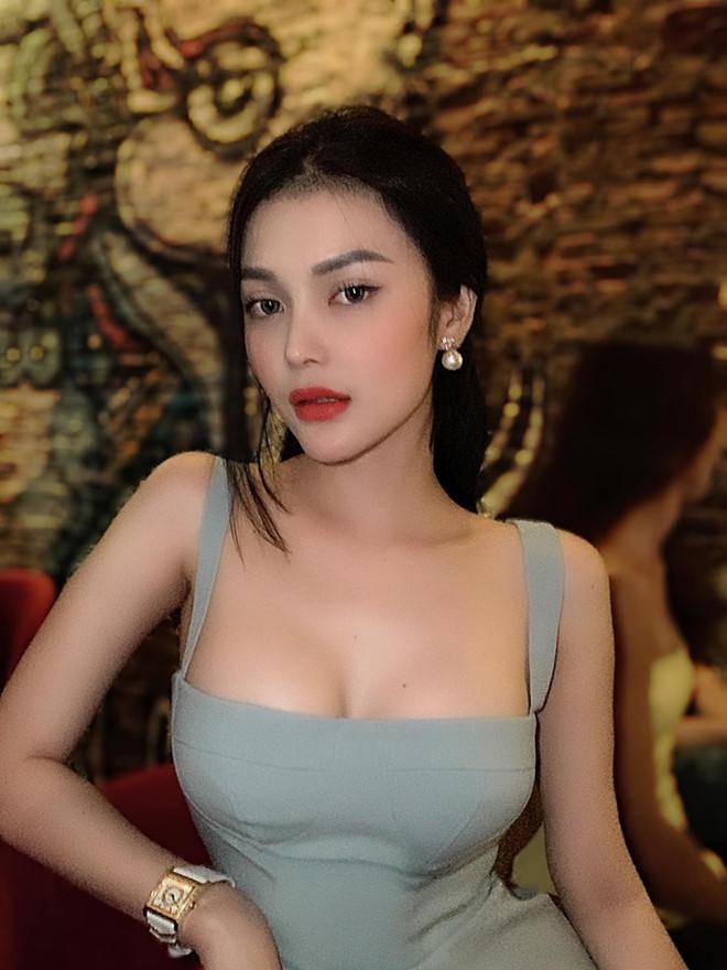 Sac voc cua 4 sao Viet dong phim kinh di gan mac 18+ hinh anh 11