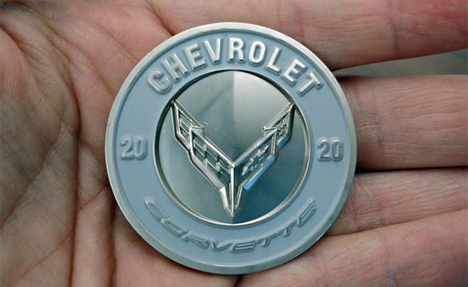 1.500 USD cho 3 dong xu ky niem ngay Chevrolet Corvette C8 ra mat hinh anh 1