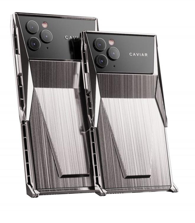 Tesla Cybertruck khoi mao cho loat trao luu dien ro hinh anh 3 Caviar_Cyberphone_7_768x879.jpg