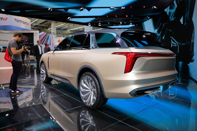 Hang xe Trung Quoc san xuat SUV nhai Rolls Royce hinh anh 3 56399665_hongqi_e115_concept_at_2019_frankfurt_motor_show_5.jpg