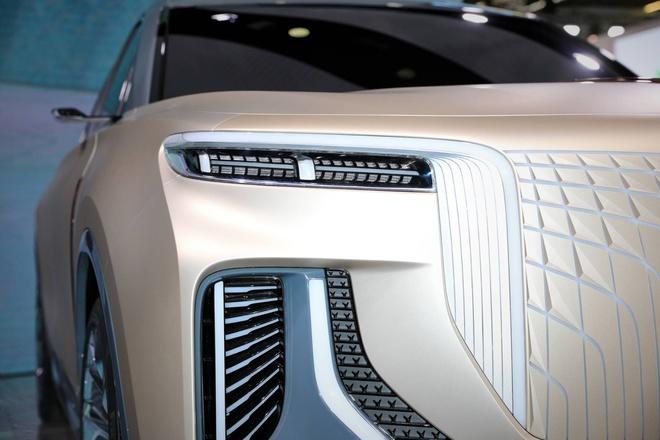 Hang xe Trung Quoc san xuat SUV nhai Rolls Royce hinh anh 6 820c538b_hongqi_e115_concept_at_2019_frankfurt_motor_show_10.jpg