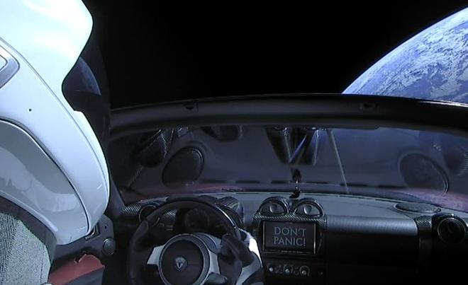 Chiec xe Tesla da bay hon 1,6 ty km trong khong gian hinh anh 3 Tesla_Roadster_4.jpg