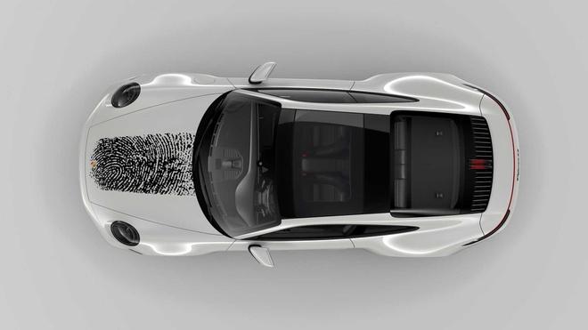 In dau van tay len nap capo Porsche 911, chu xe ton 8.100 USD hinh anh 5 porsche_911_with_fingerprint_5_.jpg