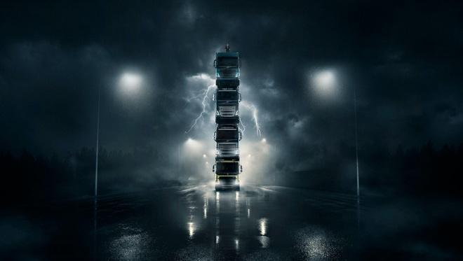 Volvo chong 4 xe tai len nhau chay tren duong hinh anh 1 Volvo_Trucks_launch_film_6.jpg