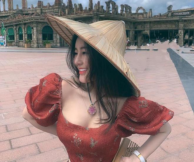 Khong tham gia nghe thuat, bon hot girl 10X van thu hut nho ve sexy hinh anh 10