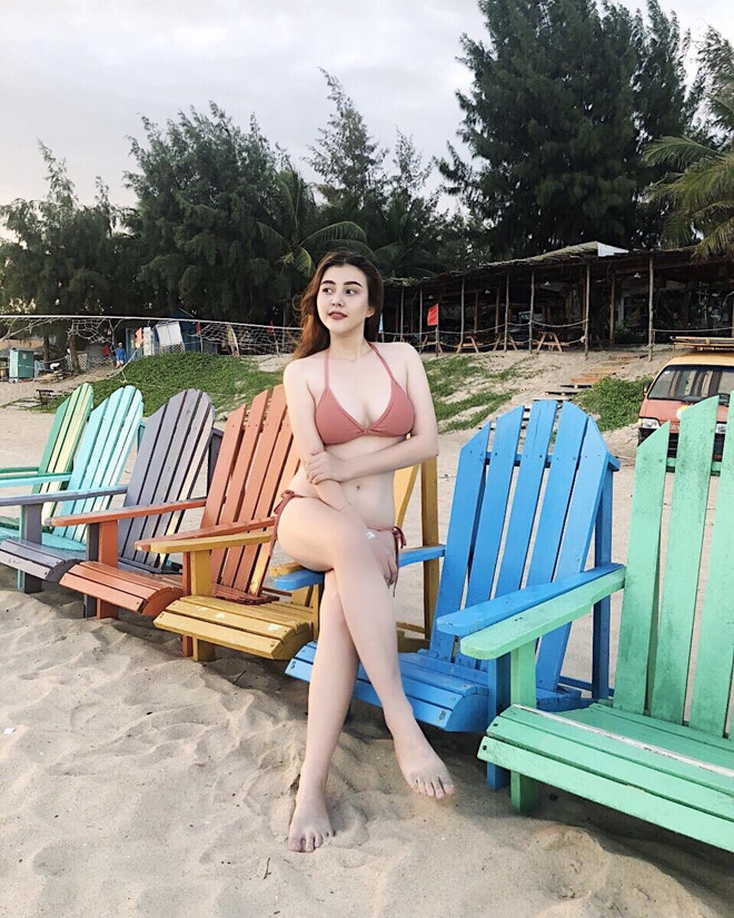 3 'bong hong lai' khoe voc dang can doi, goi cam khi dien bikini hinh anh 3