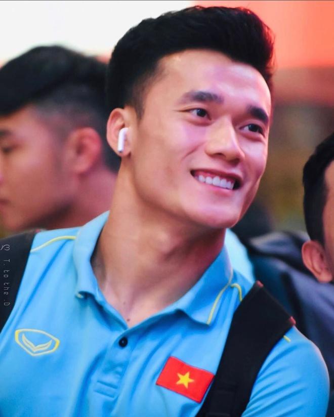 Quang Hai va dan cau thu kin tieng chuyen tinh cam sau khi chia tay hinh anh 5