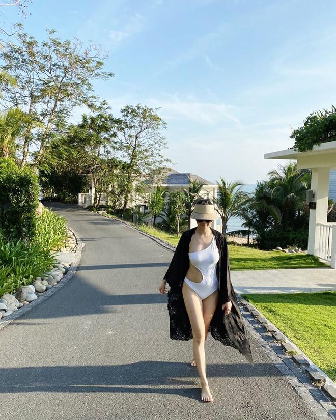 Hot mom khoe dang voi bikini sau khi sinh hinh anh 3 ly.lii_82552430_648313005913615_362096308381005616_n.jpg