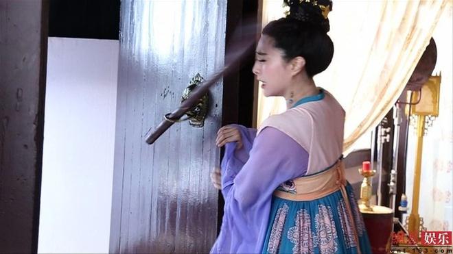 Nhung lan sao Hoa ngu suyt mat mang o phim truong hinh anh 1 phambangbang.jpg