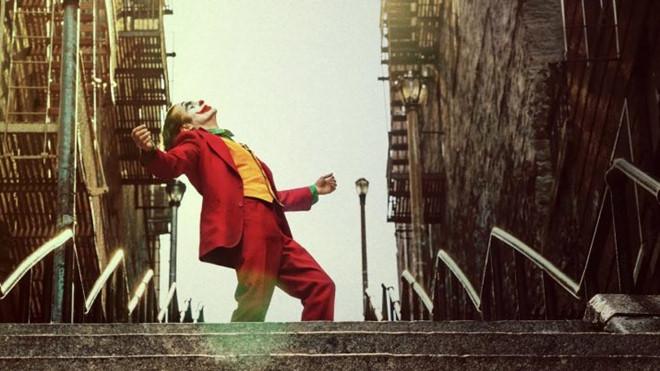 Fan 'Joker' dua nhau nhay mua tren bac thang New York hinh anh 1