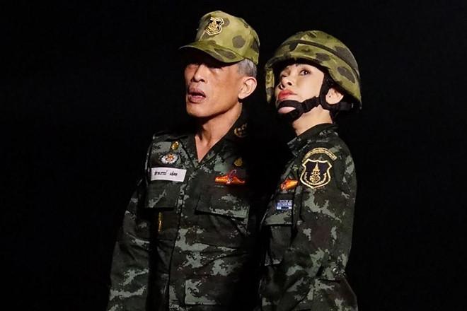 Hinh anh Hoang quy phi Thai mac quan phuc, ao croptop gay bao mang hinh anh 6