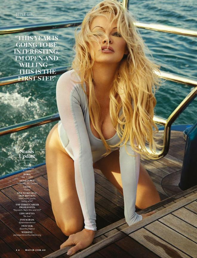 'Bom sex' Pamela Anderson khoe duong cong boc lua o tuoi 53 hinh anh 4 pamela6.jpg