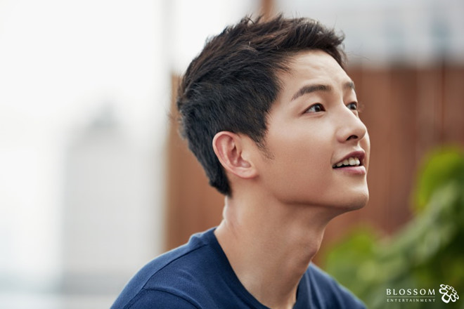 Song Joong Ki o tuoi 34 - ly hon, gay go va khoc trong ngay sinh nhat hinh anh 6