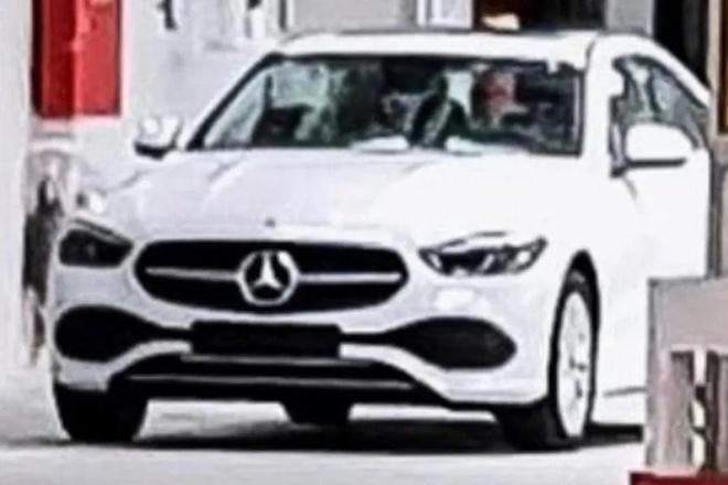 Mercedes-Benz C-Class 2022 lo dien anh 1