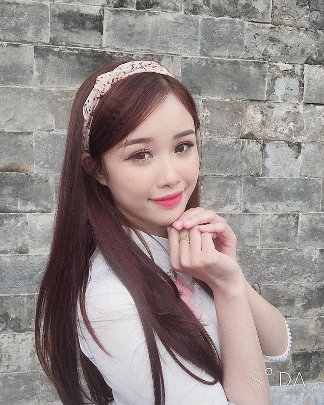 Ban gai Dinh Trong, Van Toan va nhung nang WAGs Viet song kin tieng hinh anh 5