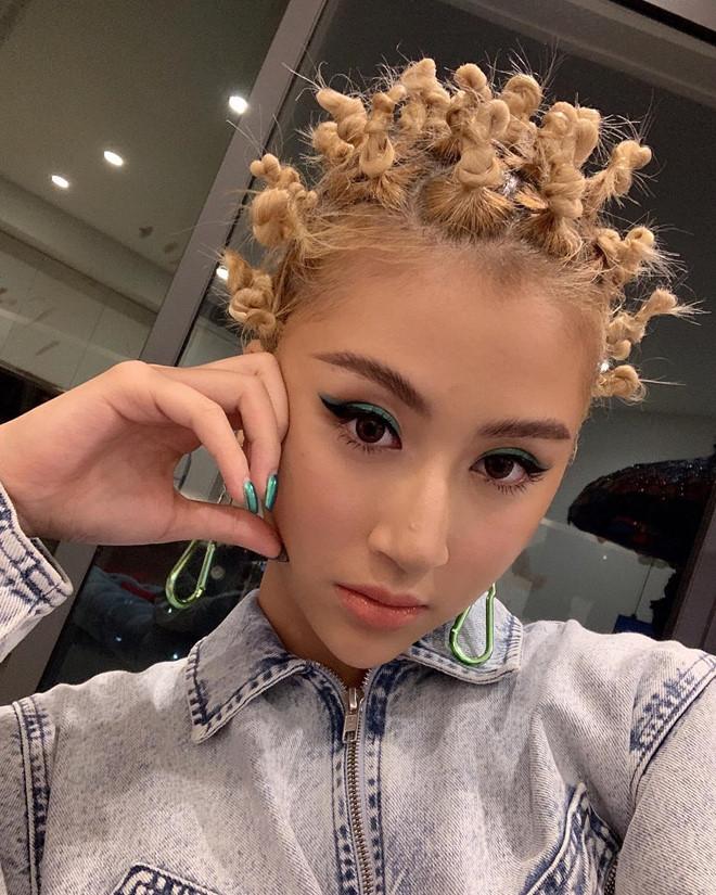 Quynh Anh Shyn - tu 'banh beo' den fashionista mac gay tranh cai hinh anh 8