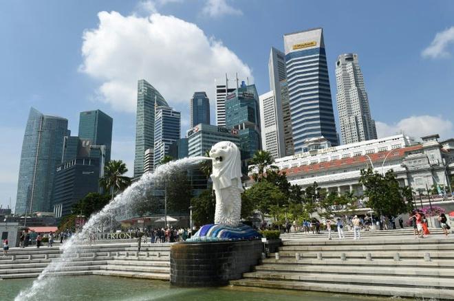 Singapore, UAE phat nang, bo tu nguoi uong ruou bia noi cong cong hinh anh 1 55c439165afbd30d4d8b456b.jpg