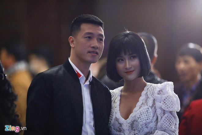 Ban gai Quang Hai, Van Lam deu tung gap thi phi khi hen ho cau thu hinh anh 5 126_zing.jpg