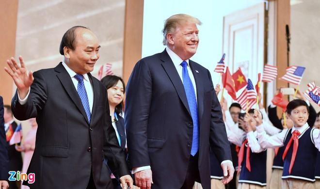 Hanh dong bat ngo cua TT Trump khi gap Thu tuong hinh anh 2