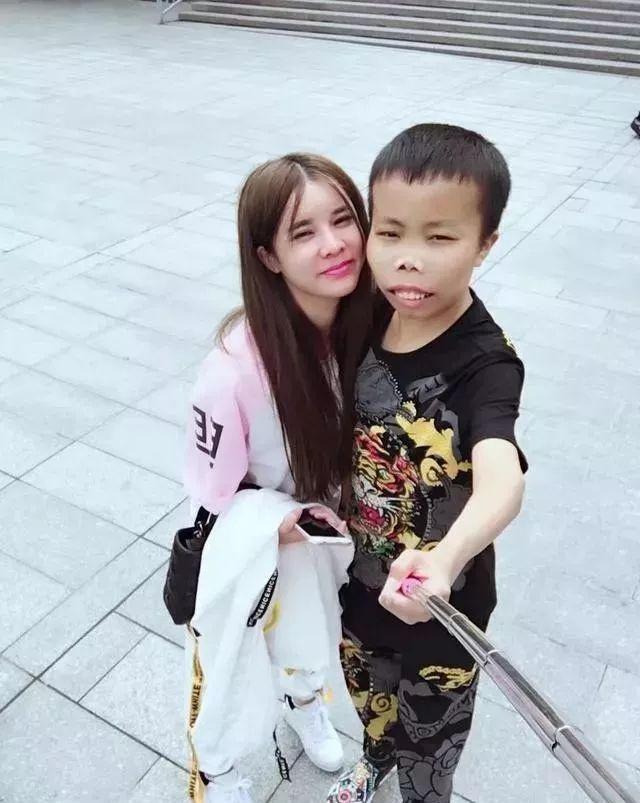 'Thieu gia xau la' Trung Quoc tay trang sau 3 nam tu bo livestream hinh anh 2 09f5a45c69674e56b05cc6925e46da7f.jpeg