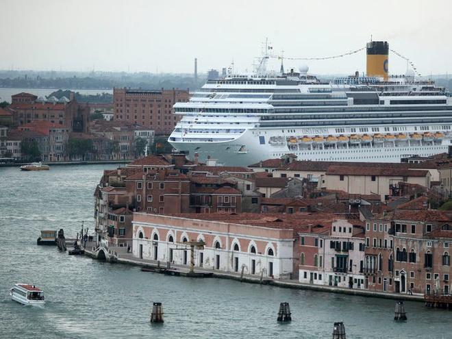Bo mat xau xi cua Venice khi bi tan pha boi du lich hinh anh 9 5c082ecc985cfd083c64f2a5.jpg