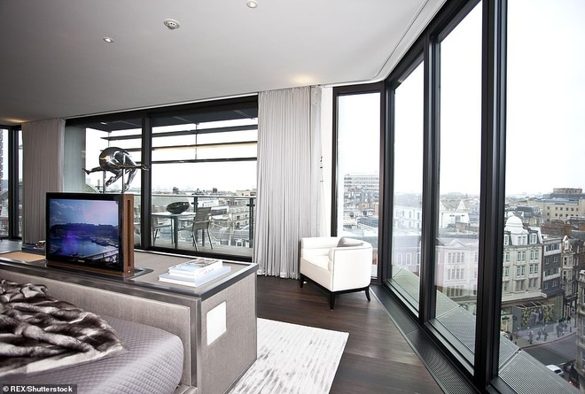 Can ho 205 trieu USD dat nhat London hinh anh 2 4906428_6257199_The_apartment_is_listed_as_being_worth_160million_which_would_ma_a_19_1539168352102.jpg