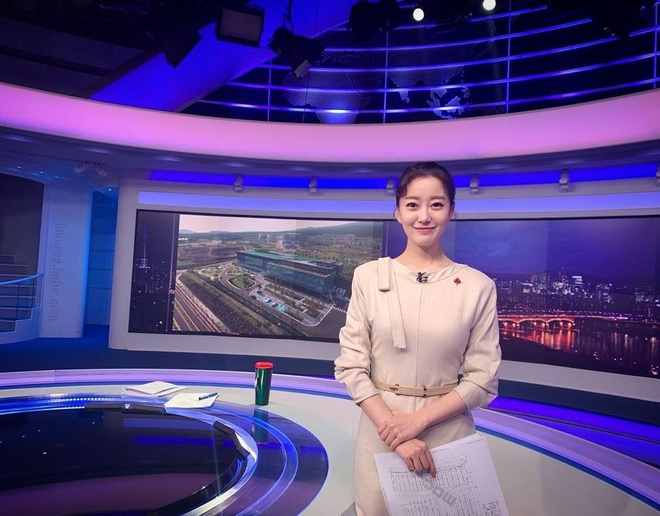 MC dan ban tin tren noc khach san Ha Noi noi tieng o Han Quoc the nao? hinh anh 2