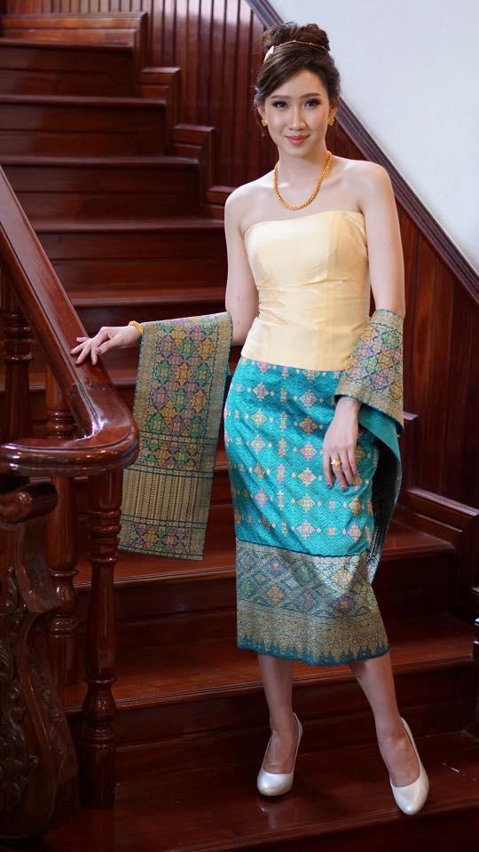 Loat hot girl Lao goc Viet tai sac xung danh 'con nha nguoi ta' hinh anh 4