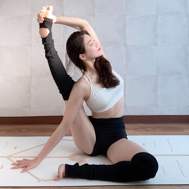 3 co giao day yoga duoc menh danh 'nguoi dep khong xuong' hinh anh 4 q65.jpg