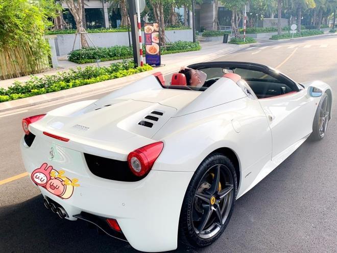 Ferrari 458 Spider thu 2 cap ben VN, thuoc so huu hot girl Sai thanh hinh anh 3