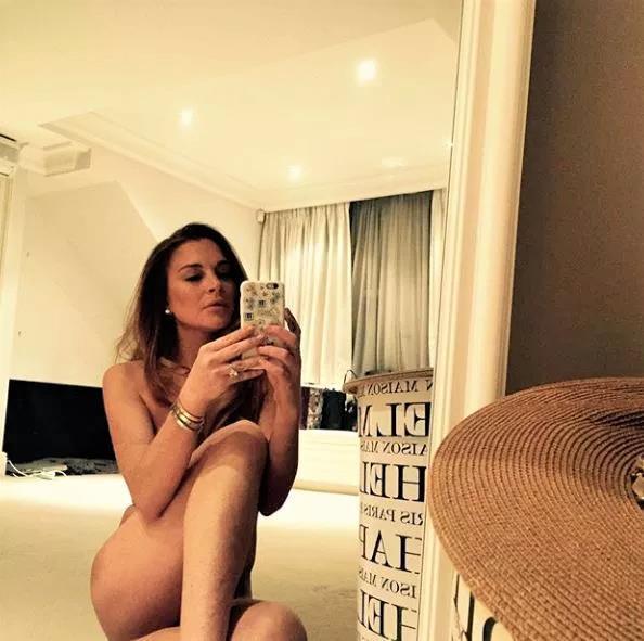 Lindsay Lohan gay tranh cai vi chup anh khoe than tao bao hinh anh 1