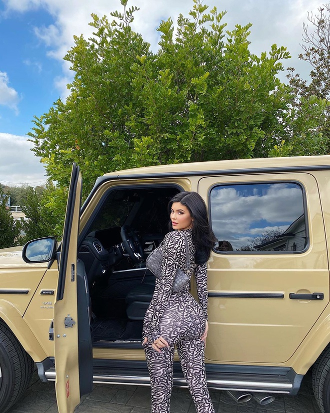 Kylie Jenner khoe 400 chiec tui xach hang hieu hinh anh 4 kyliejenner_83118728_508920383315515_4415967605274725817_n.jpg