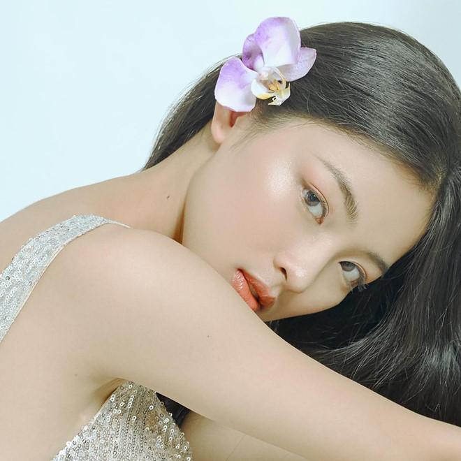 Co gai dinh tin don hen ho voi Quang Hai va cac hot girl truong Y Duoc hinh anh 11