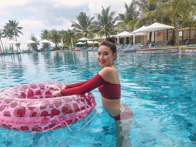 Hot girl Lao goc Viet khoe anh tot nghiep Hoc vien Ngoai giao hinh anh 7
