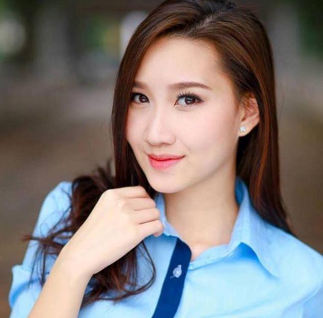 Hot girl Lao goc Viet khoe anh tot nghiep Hoc vien Ngoai giao hinh anh 4