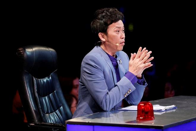 'Hoai Linh vang bong o game show nhung cat-xe van cao nhat showbiz' hinh anh 1