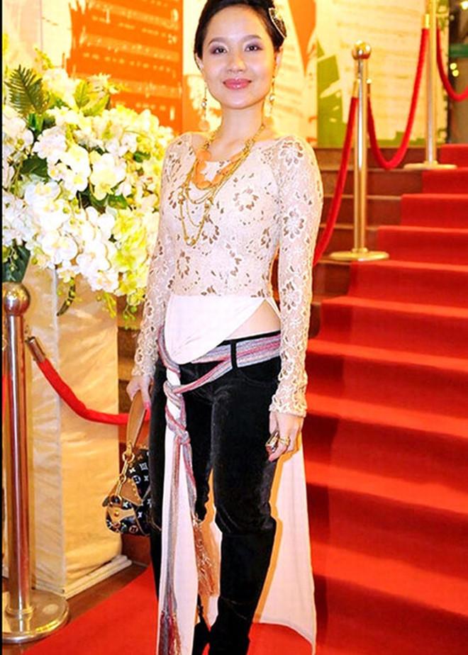 Mai Phuong Thuy va sao Viet tung bi chi trich ha thap ao dai dan toc hinh anh 9