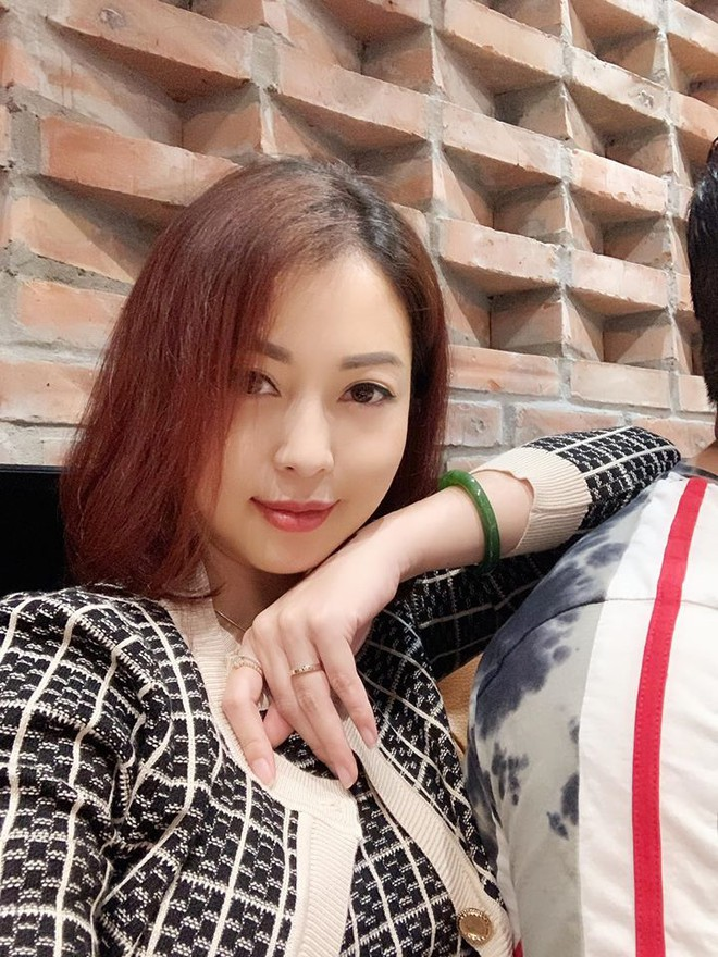Jennifer Pham thay doi the nao khi tang 10 kg? hinh anh 1