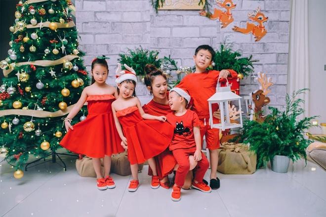 Gia dinh Ly Hai va dan sao Viet trang hoang nha don Noel hinh anh 2 IMG_8606.JPG