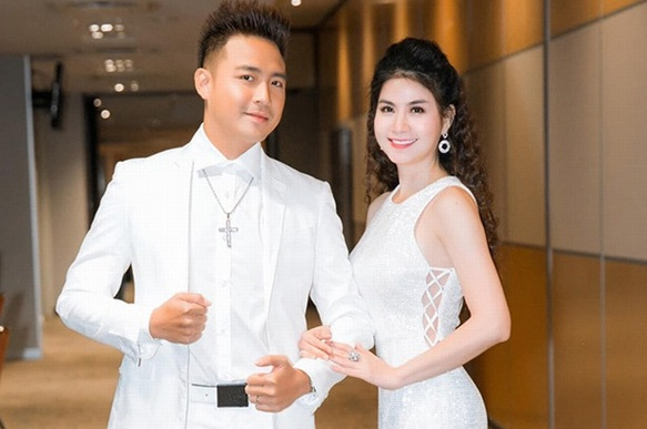 Thanh Duy nga cau thang, bi dut day chang dau goi hinh anh 3 photo_1_15871759445881131472876.jpg