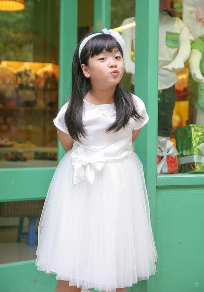 Hong Khanh con gai nghe si Chieu Xuan anh 1