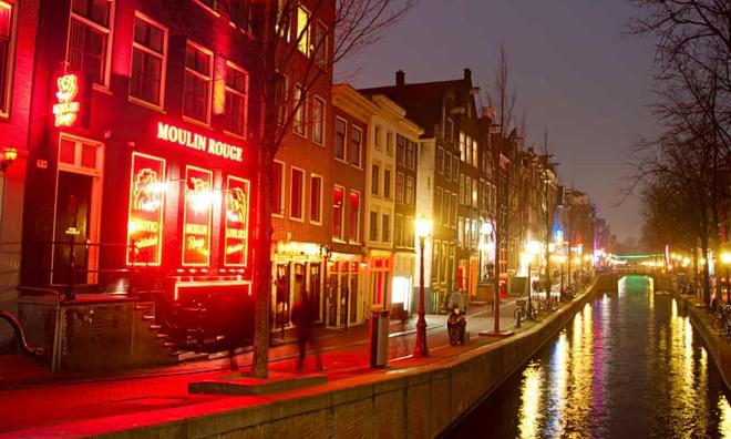 Amsterdam tinh doi pho den do vao trong nha, lap 'trung tam tinh duc' hinh anh 1 3744.jpg