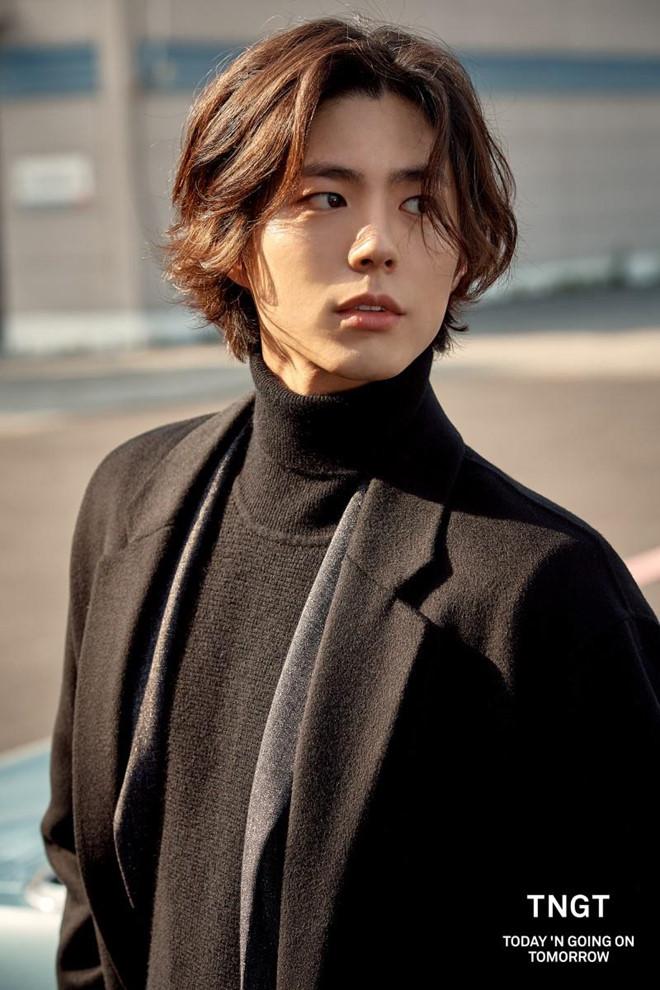 My nam kem 12 tuoi bi don ngoai tinh voi Song Hye Kyo la ai? hinh anh 5