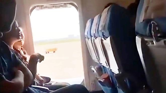 Nem dong xu vao dong co va nhung tro lo tren may bay trong nam 2019 hinh anh 6 7.jpg