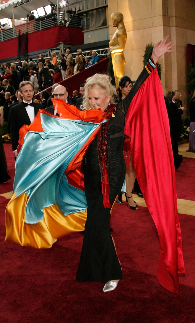 Vay thien nga gay co va loat trang phuc tham hoa trong lich su Oscar hinh anh 5 Oscar4.jpg