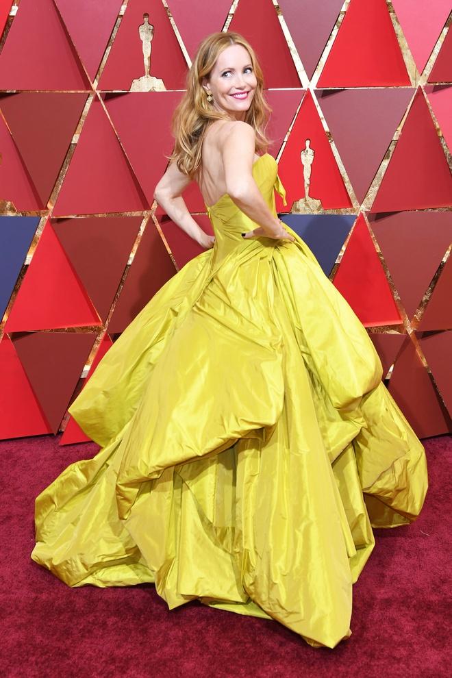 Vay thien nga gay co va loat trang phuc tham hoa trong lich su Oscar hinh anh 9 Oscar9.jpg