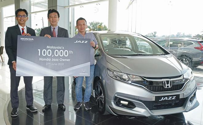 Honda Jazz ban chay o Malaysia, e am o Viet Nam hinh anh 1