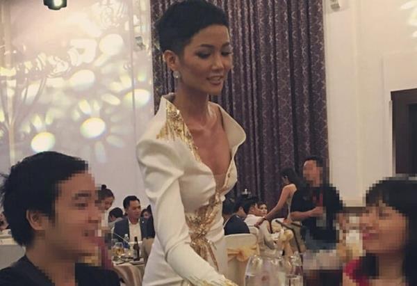 Minh Hang, Nha Phuong gay lo lang khi lo than hinh gay guoc hinh anh 12