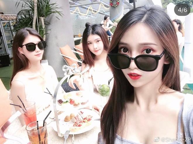 Nhung hot girl Trung Quoc bi tay chay vi anh phan cam hinh anh 2