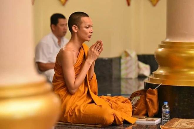 Vi sao Hoa hau chuyen gioi Thai Lan phau thuat tro lai lam dan ong? hinh anh 10 1498470574_7.jpg